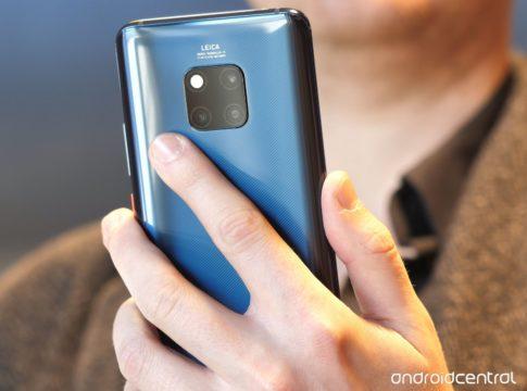 2e147ccb78805 На выставке MWC 2019 назвали лучший смартфон года